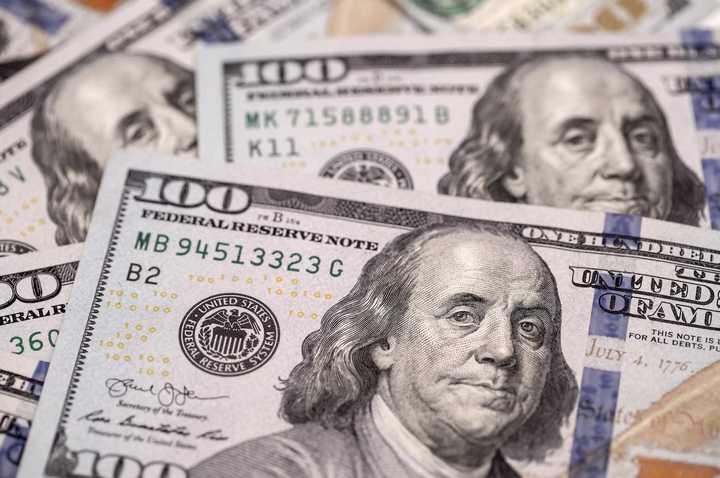 Video: así abrió la cotización del dólar blue este lunes 1 de junio
