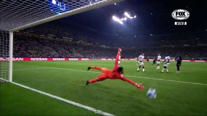 Tremendo gol de Mauro Icardi