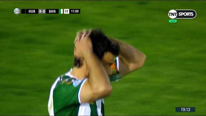 Darío Cvitanich erró un penal que pudo poner en ventaja a Banfield frente a Huracán
