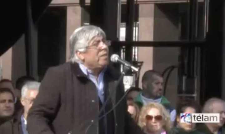 """""""Señora presidenta: No somos enemigos de la patria"""": paro de Moyano contra Cristina en 2013"""