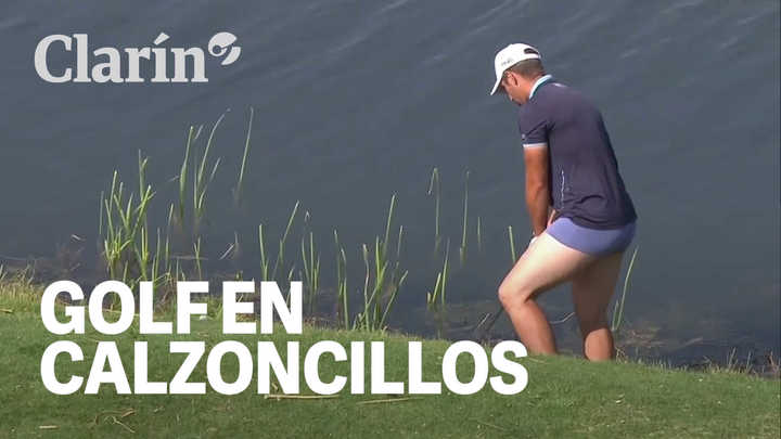 Un golfista se sacó los pantalones y realizó un golpe en calzoncillos