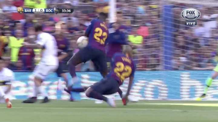 El penal que reclamó Boca tras una supuesta mano de Umtiti