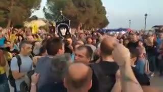 La agresión completa a Yiannis Boutaris.