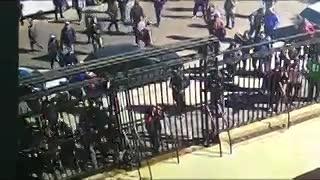 Manifestantes intentan ingresar a la gobernación bonaerense