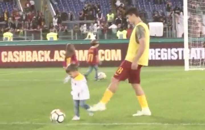 En la Roma piden el VAR a través de un vídeo que tiene como protagonista a Diego Perotti
