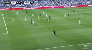 Gonzalo Higuaín convirtió a los 4 minutos el 1-1 del Milan. (YouTube)