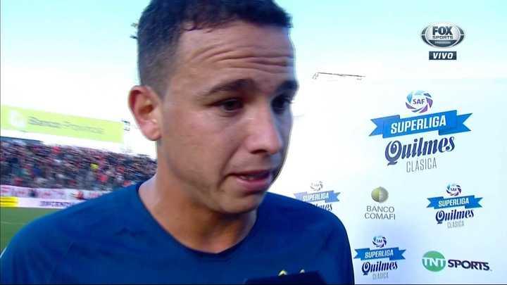 """Leonardo Jara: """"Jugamos mal, así se va a hacer muy difícil ganar de nuevo una copa"""""""