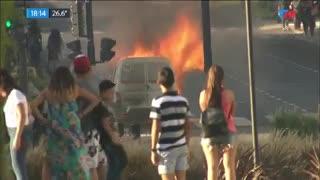 Se incendia una camioneta en el Obelisco