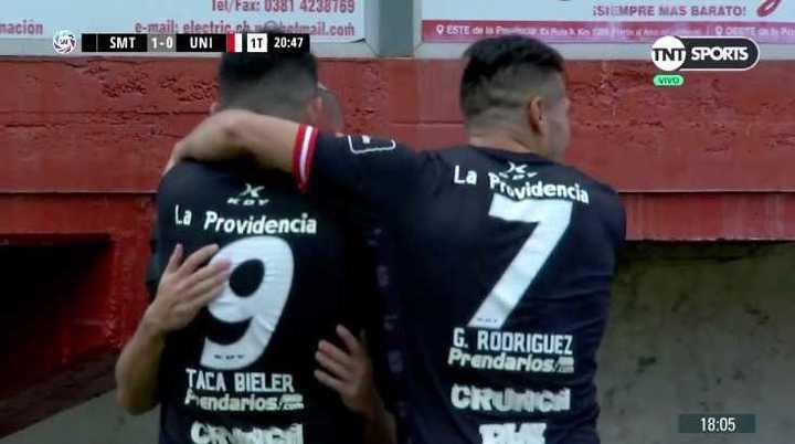 Franco Costa metió el primer gol de San Martín de Tucumán