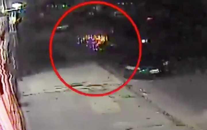 El video que muestra cómo la bailarina de pole dance atropelló y mató al motochorro