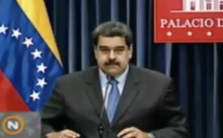 Maduro se molesta con periodista por preguntarle sobre bomberos detenidos por compararlo con un burro