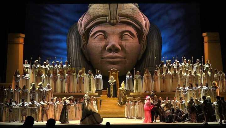 El Teatro Colón celebra su aniversario con una monumental puesta de Aída