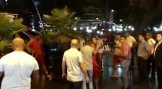 La llegada de los jugadores de River a Mendoza. (Delfo Rodríguez)