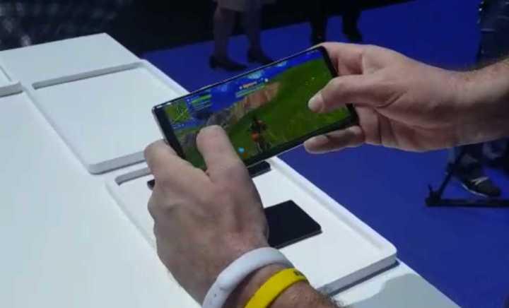 Fortnite llegó a los Android: así se juega en Samsung Galaxy Note 9