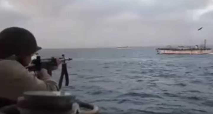 Operativo de Prefectura para interceptar a un pesquero chino