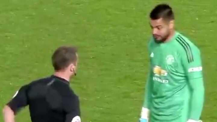 Sergio Romero fue expulsado frente al Derby County