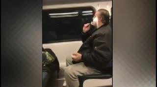 La historia de Anthony Torres, el hombre que se afeita en un tren