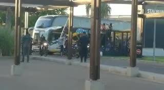 La llegada de la delegación de Boca a Mendoza.
