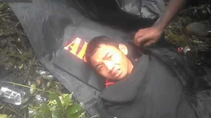 Milagro en Indonesia: Así rescataron al nene de 12 años que sobrevivió a la caída de un avión