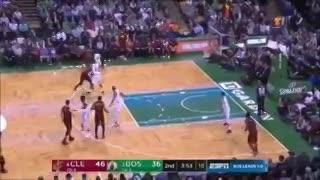 El golpe de LeBron James frente a Boston
