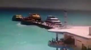 El momento en que explotó el ferry con turistas en Playa del Carmen: al menos 25 heridos