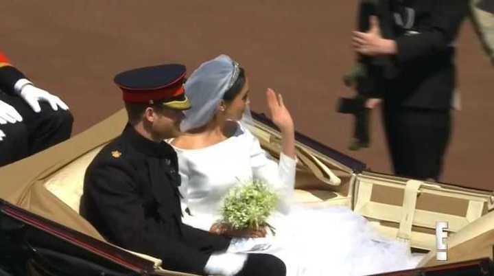 Boda Real: Harry y Meghan se retiran de la capilla.