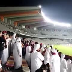 El periodista mostró cómo se vive un partido de fútbol en la liga árabe.
