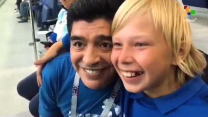 Maradona le cumplió el sueño a un niño ruso - Mundial Rusia 2018
