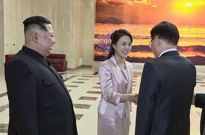 """""""Primera dama"""", el nuevo papel de la esposa del líder norcoreano"""