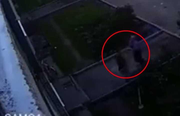 Milagroso rescate a un bebé que cayó al vacío
