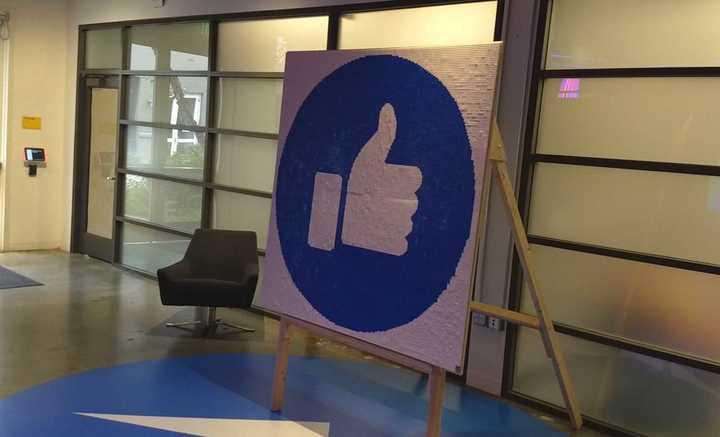 Clarín en la sede central de Facebook