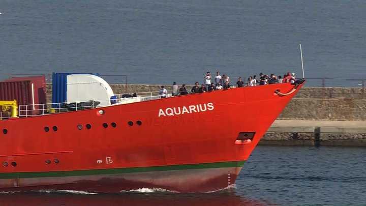 El Aquarius no se rinde: volvió al mar y siguen los salvatajes de personas a la deriva