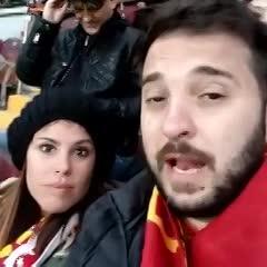 Diego y Cecilia fueron al estadio del Galatasaray.