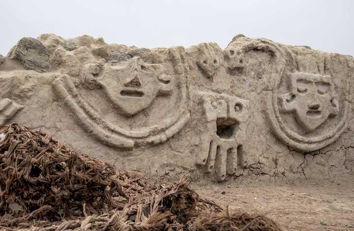 Así es el muro de 3800 años que fue descubierto en Perú