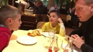 Maxi López y un tierno video junto a sus hijos