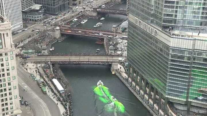 Para celebrar San Patricio, colorearon de verde un río en Estados Unidos