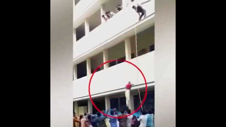 Tragedia en la India: una estudiante fue obligada a saltar en un simulacro y perdió la vida