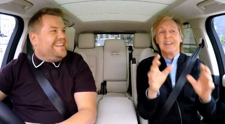 "Imperdible. Un mágico y emocionante paseo por Liverpool, con Paul McCartney cantando en el ""Carpool Karaoke"" de James Corden."