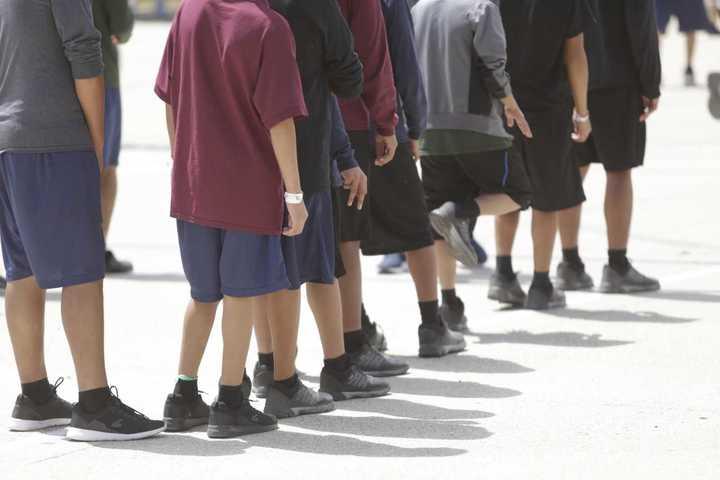 El centro de detención donde Estados Unidos encierra a los hijos de inmigrantes ilegales