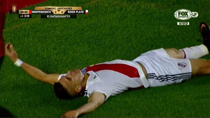 Increíble el gol que se perdió Santos Borré en la última del partido