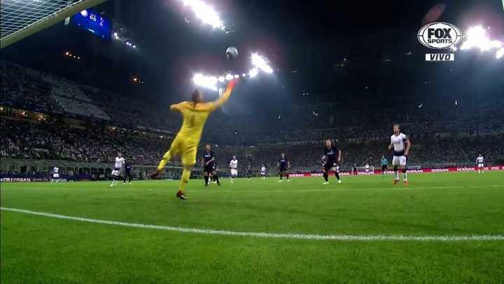 El Tottenham metió el primero, de la mano de Eriksen