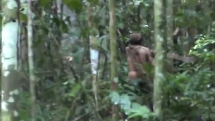 Captan imágenes del último sobreviviente de una tribu del Amazonas
