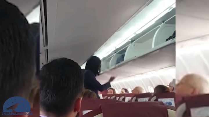 """Racismo contra una azafata en un avión en España: """"No quiero negras a mi lado"""""""