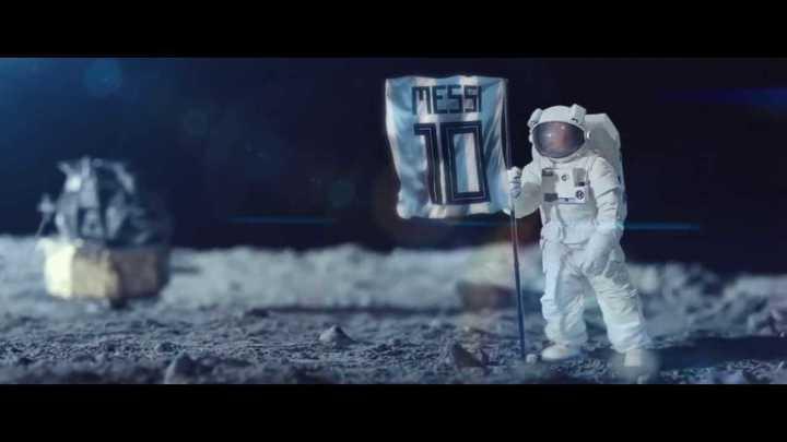 """Lionel Messi protagoniza una publicidad de Fox con el lema """"Los hombres se convierten en Dioses"""""""