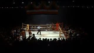 El final de la pelea entre Rocky Balboa y Apollo Creed en la segunda película de la saga.