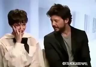 """El profesor y Tokio cantan """"Bella Ciao"""""""