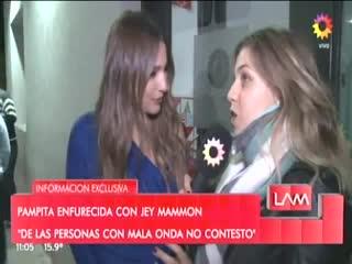 Pampita habló del escándalo con Jey Mammón