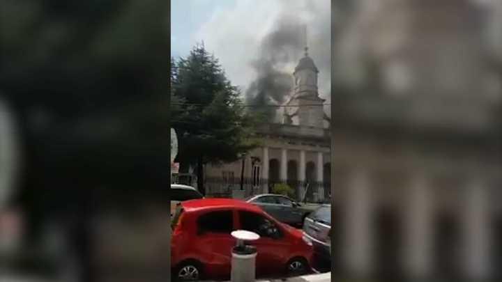 Se incendia un restaurante pegado al Museo Histórico Sarmiento