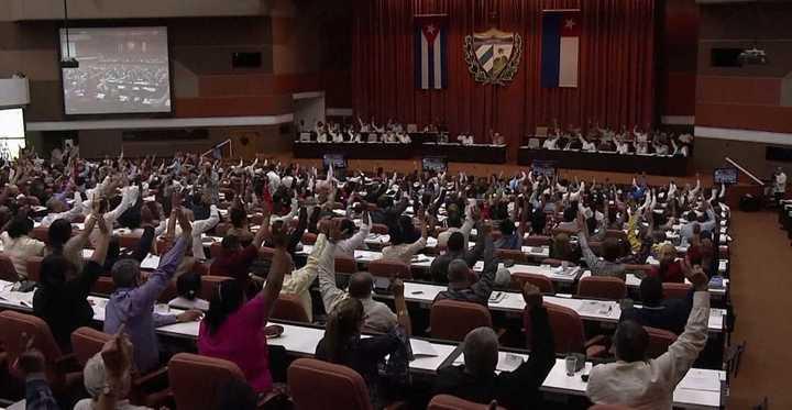 Cuba: Aprueban nueva Constitución que admite la propiedad privada