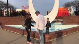 Un nene arruinó una propuesta de matrimonio